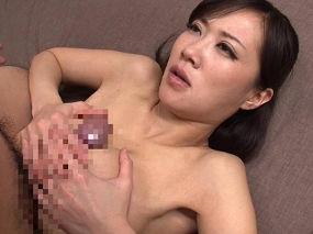 Jカップお姉さんが優しく乳首舐めからのパイズリで抜いてくれる。