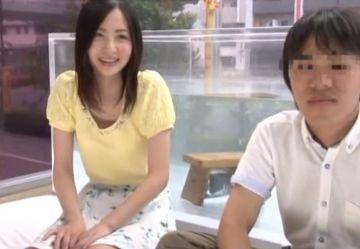 【マジックミラー号】初めて見る女友達の裸にフル勃起!賞金20万円を賭けて友達男女で混浴をした結果w
