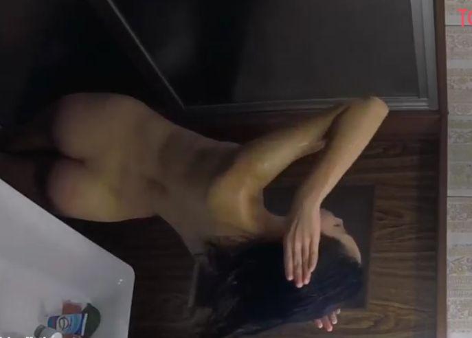 民家脱衣所にカメラ仕掛けてお風呂上がりの女の子を隠し撮り