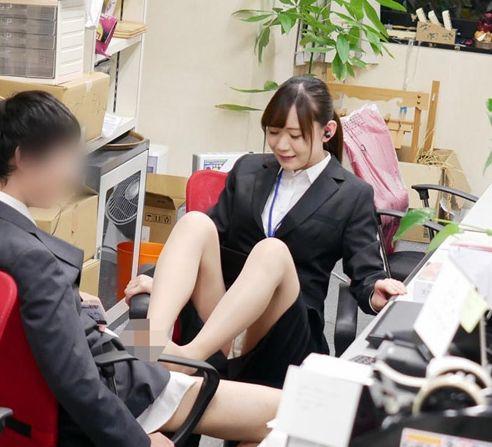 ユーザー様の声を受けたSODは、新人の女子社員を鍛えなおす「痴女チャレンジ研修」を敢行。