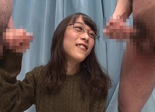 マジックミラー号 アニメ大好きなゴリゴリの地味処女が初めて本物のチンポを見た反応www