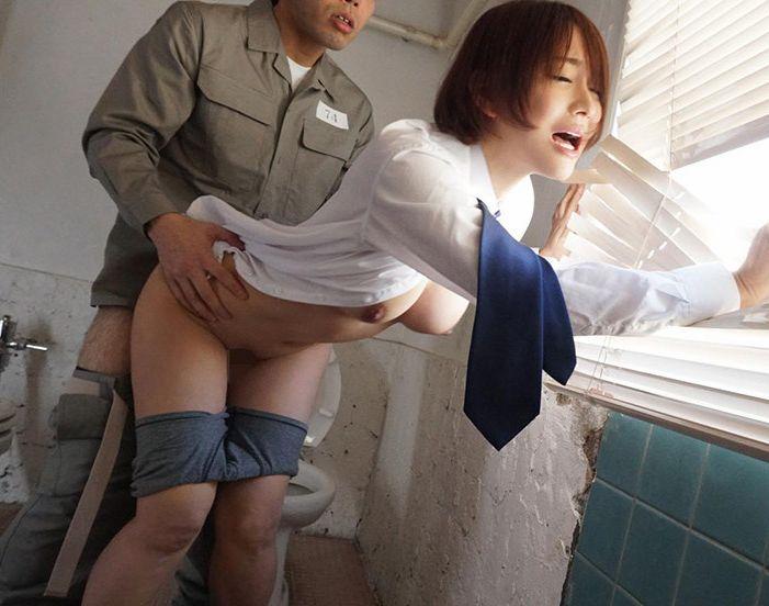 女性であることを隠し女子禁制の刑務所に潜入するが・・・西野翔