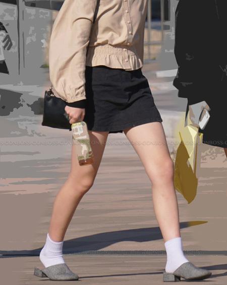 ショートソックスが似合う綺麗な生脚