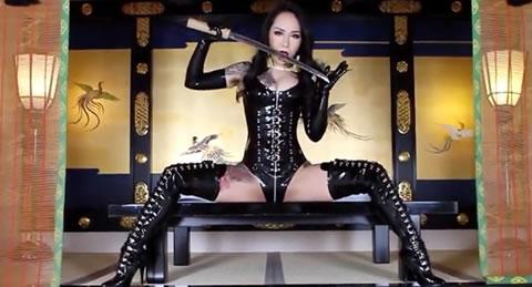 本物を感じる妖湖女王様のプロモーションビデオ