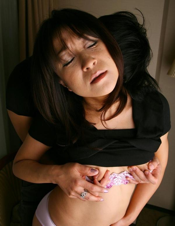 熟女 30代淫乱ママさん11人のエロ画像110枚の013枚目
