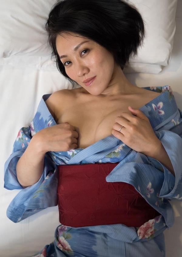 40代熟女 性欲が強いスケベな奥さんエロ画像70枚の62枚目