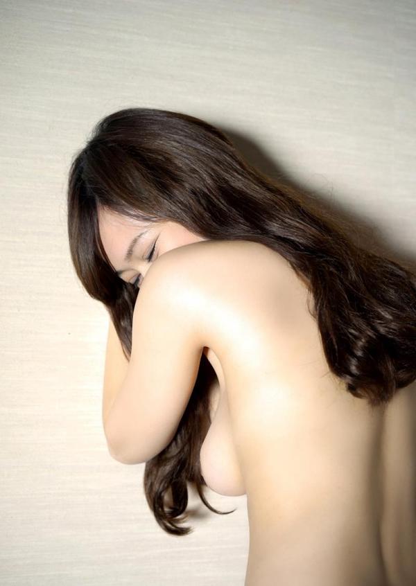 スレンダーでキレイなお姉さんの全裸ヌード画像100枚の018枚目