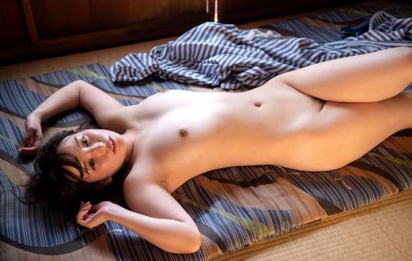 スレンダーでキレイなお姉さんの全裸ヌード画像100枚の051枚目