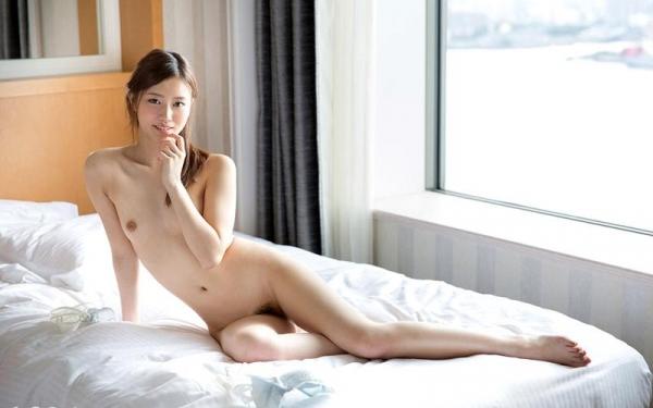 スレンダーでキレイなお姉さんの全裸ヌード画像100枚の1