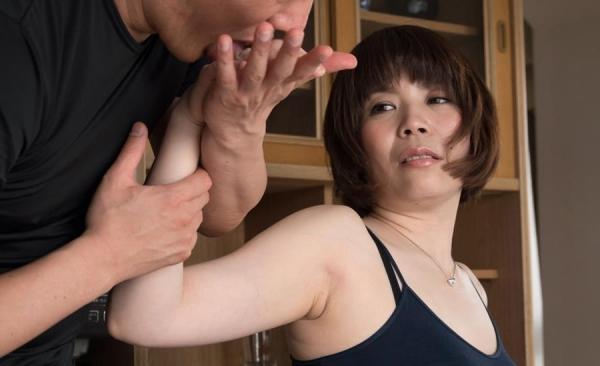 熟女エロ画像 アラフォー妻達のとめどもない性欲70枚の52枚目