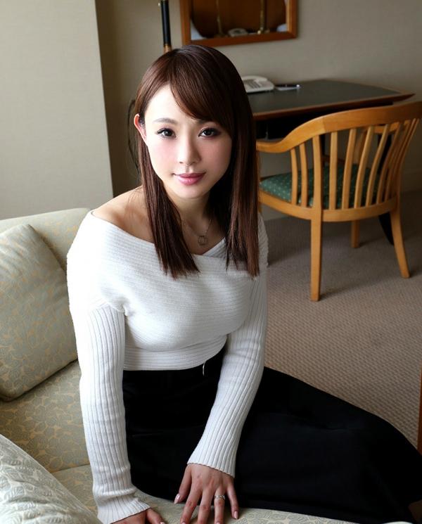 浅川亜紀(小西悠)美白美肌のむっちり奥様エロ画像35枚のa04枚目