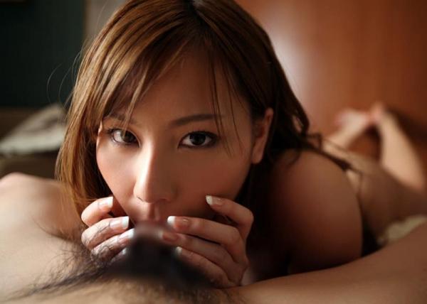 ディープスロート画像 喉奥までチンポを咥え込む女達32枚の21枚目
