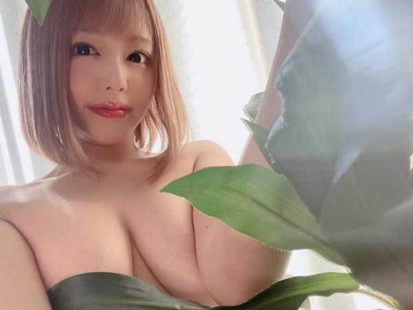 浜崎真緒さん、スレンダー爆乳の恵まれた身体で枕営業。画像61枚のa02枚目