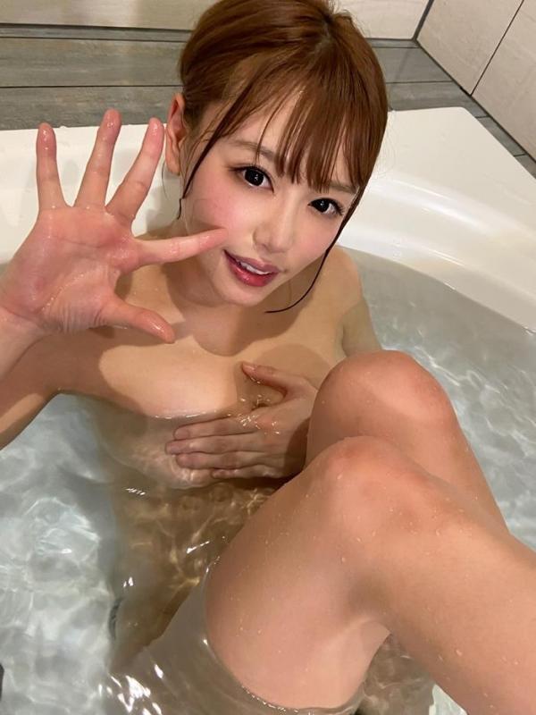 浜崎真緒さん、スレンダー爆乳の恵まれた身体で枕営業。画像61枚のa13枚目