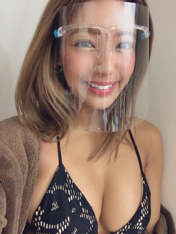 橋本梨菜さん、現在も日本一黒いグラドルやってる【エロ画像73枚】のa004枚目