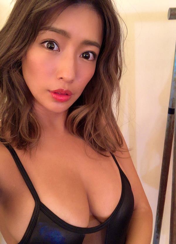 橋本梨菜さん、現在も日本一黒いグラドルやってる【エロ画像73枚】のa013枚目