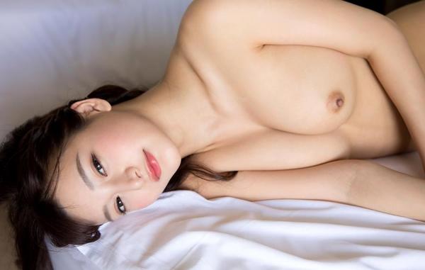 ひなたまりん 8頭身美女のフルヌード画像110枚の107枚目