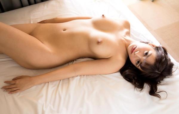 ひなたまりん 8頭身美女のフルヌード画像110枚の109枚目