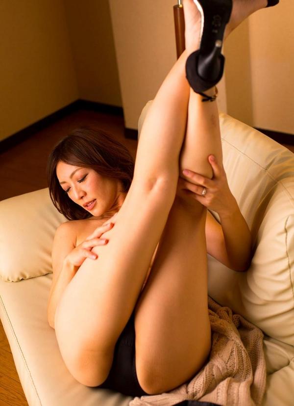 瞳リョウ 44歳 美熟女のゲスエロご奉仕がコチラ【画像】46枚のa13枚目