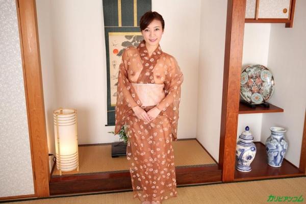 瞳リョウ 44歳 美熟女のゲスエロご奉仕がコチラ【画像】46枚のb02枚目