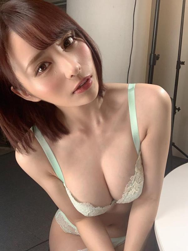 伊藤舞雪 奇跡のくびれ美巨乳ボディエロ画像59枚のa03枚目