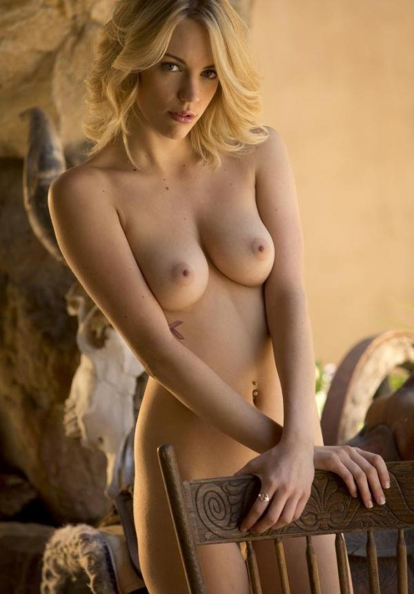 金髪美女ヌード画像 綺麗なパイパンが際立つ36枚のb07枚目