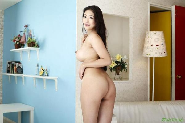熟女AV女優の小早川怜子さん、撮影だけじゃ満足できないドスケベ女らしい 画像46枚のb007枚目