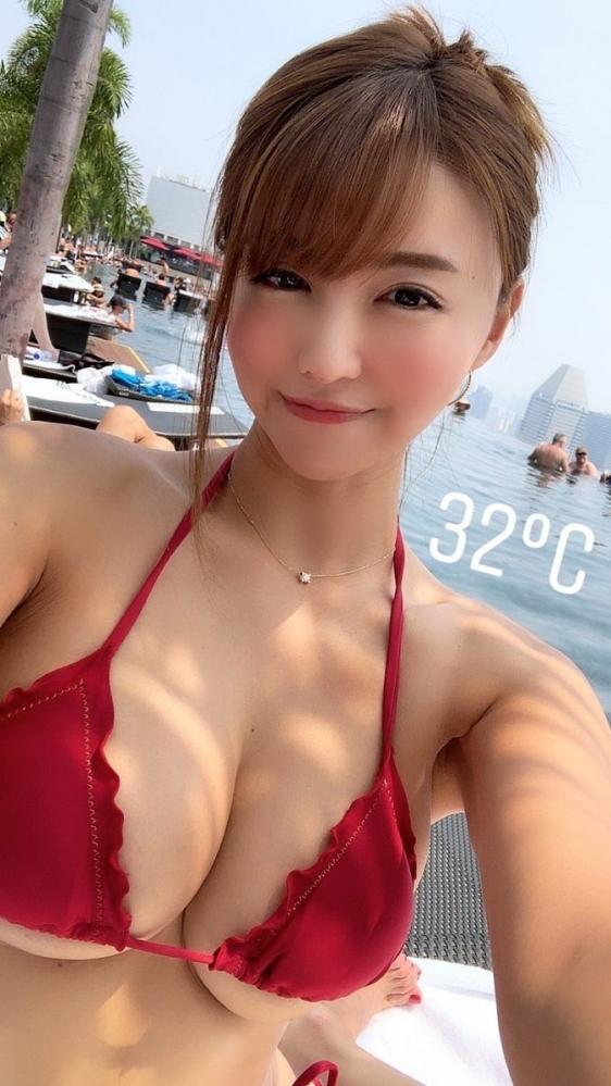 水着美女の画像 真夏のバカンスを満喫するお姉さん53枚の47枚目