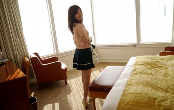 美泉咲(みずみさき)豊潤な肉感ボディの巨乳美女セックス画像100枚のb014枚目