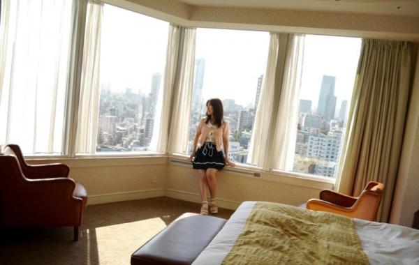 美泉咲(みずみさき)豊潤な肉感ボディの巨乳美女セックス画像100枚のb015枚目