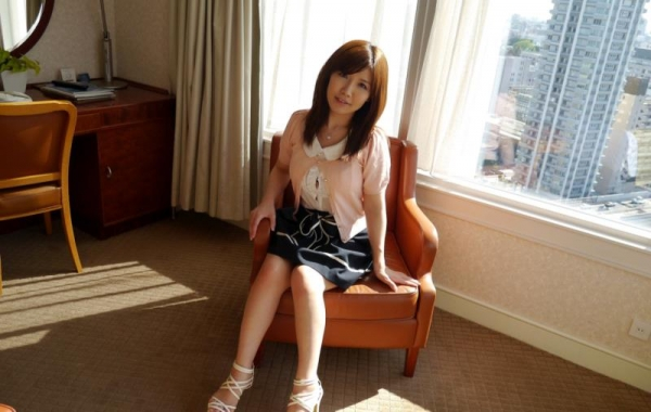 美泉咲(みずみさき)豊潤な肉感ボディの巨乳美女セックス画像100枚のb018枚目