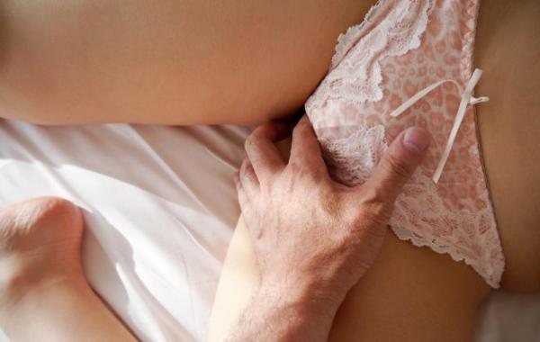 美泉咲(みずみさき)豊潤な肉感ボディの巨乳美女セックス画像100枚のb037枚目