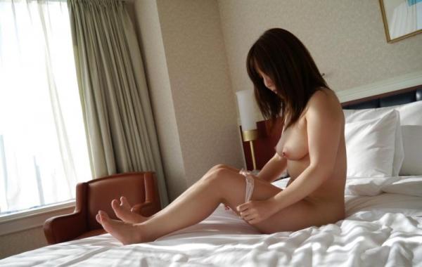 美泉咲(みずみさき)豊潤な肉感ボディの巨乳美女セックス画像100枚のb040枚目