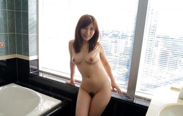 美泉咲(みずみさき)豊潤な肉感ボディの巨乳美女セックス画像100枚のb045枚目