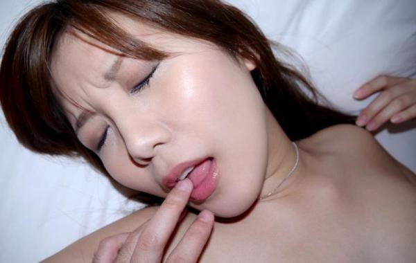 美泉咲(みずみさき)豊潤な肉感ボディの巨乳美女セックス画像100枚のb061枚目