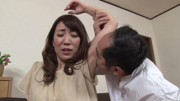 村上佳苗(藤澤美織)49歳 美熟女が童貞を頂いてる無修正 画像42枚のa02枚目