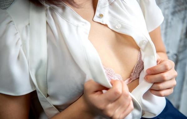 根尾あかり 超敏感Fカップ巨乳の美少女エロ画像130枚のb071枚目