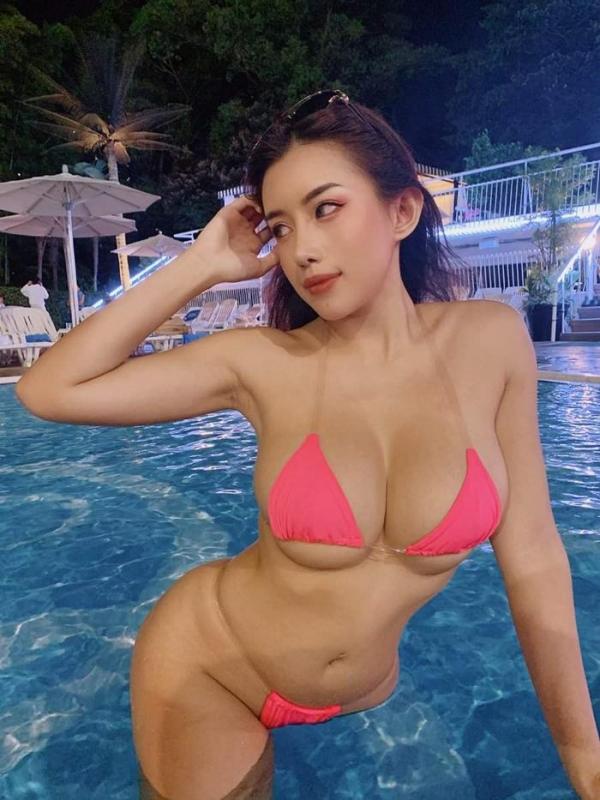 ナイトプールで羽目を外すリア充水着美女のエロ画像42枚のa20枚目