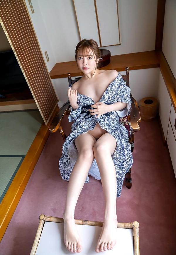小倉由菜さん、温泉旅行で女体盛りにされてしまう。画像68枚のa05枚目