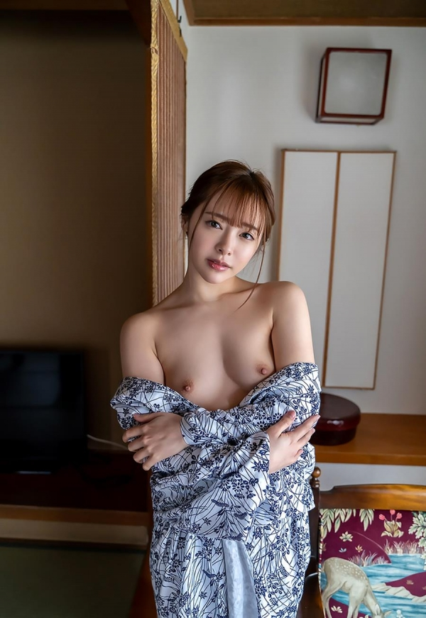 小倉由菜さん、温泉旅行で女体盛りにされてしまう。画像68枚のa06枚目