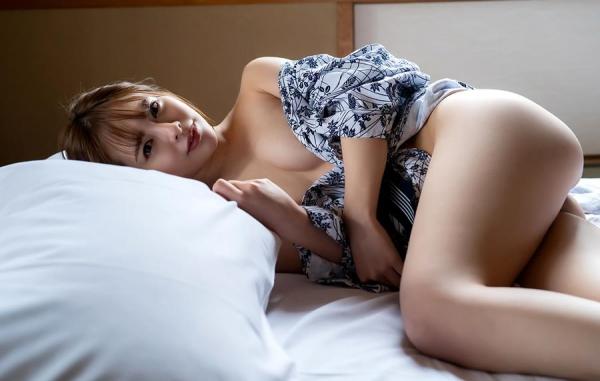 小倉由菜さん、温泉旅行で女体盛りにされてしまう。画像68枚のa15枚目