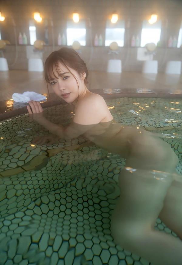 小倉由菜さん、温泉旅行で女体盛りにされてしまう。画像68枚のa37枚目