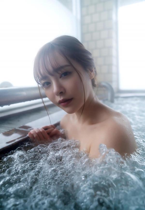 小倉由菜さん、温泉旅行で女体盛りにされてしまう。画像68枚のa41枚目