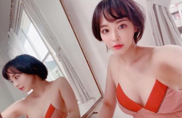 三宮つばき ミステリアスなスレンダー巨乳美少女画像44枚のa021枚目