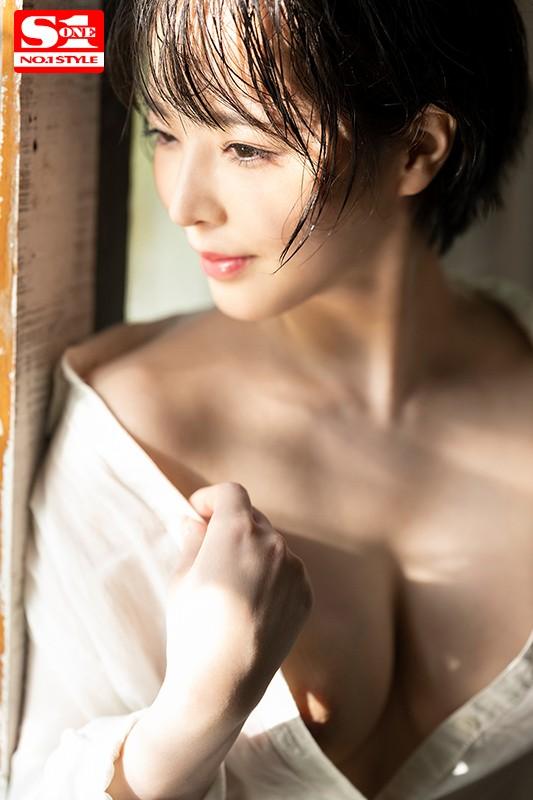 三宮つばき ミステリアスなスレンダー巨乳美少女画像44枚のb011枚目