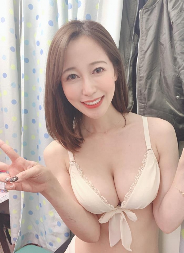 篠田ゆうの手コキ。凄まじいハンドテクニックがこちら 画像58枚のa04枚目