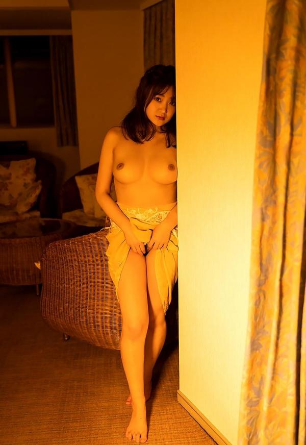 詩月まどか たわわな巨乳のムッチリ美女エロ画像120枚のb104枚目