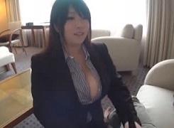甘良しずく秘書