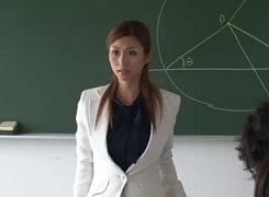 朝日奈あかり女教師
