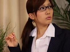 小島みなみ女上司